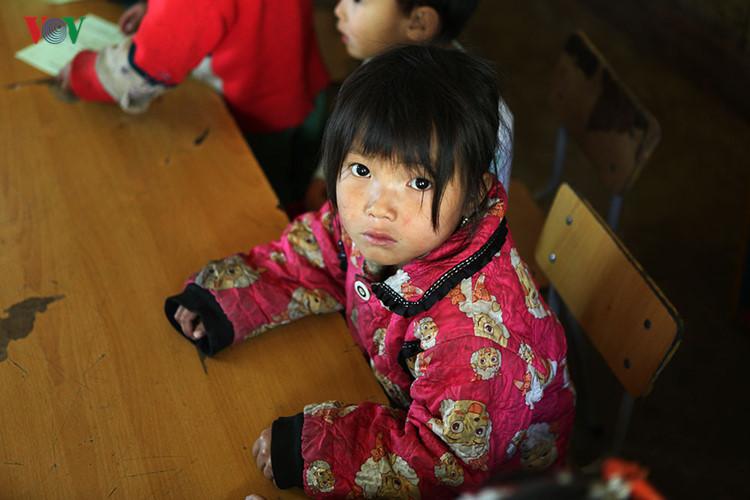 Une école au sommet de Hoang Lien Son