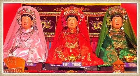 Le culte des déesses-mères des Trois mondes