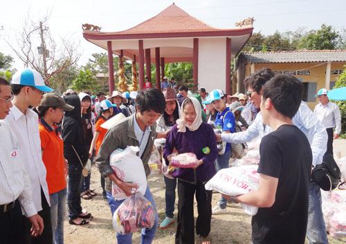 Diverses activités en faveur des personnes démunies