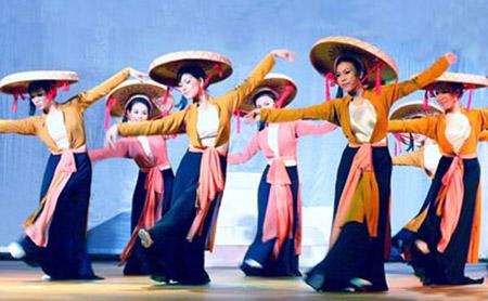Quand le folklore donne des ailes à la danse moderne