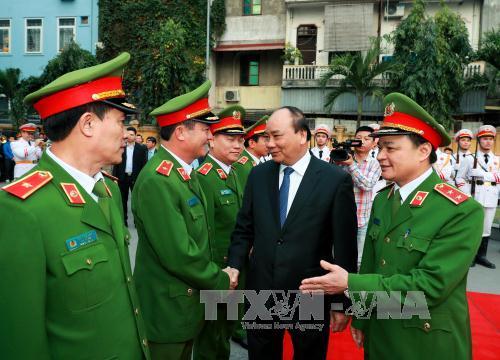 Nguyen Xuan Phuc présente ses vœux à la brigade motorisée