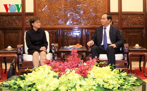 Tran Dai Quang reçoit l'ambassadrice de Singapour
