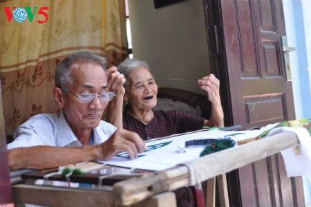 Quât Dông : quand le verbe broder se conjugue au passé, au présent et au futur