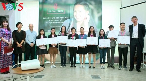 Le Concours mondial d'éloquence en anglais EF Challenge 2017 au Vietnam