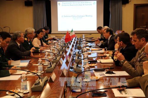 Deuxième dialogue de politique défensive Vietnam-Italie