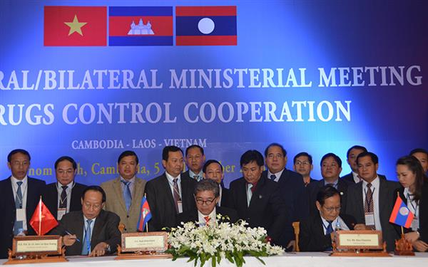 Vietnam, Laos, Cambodia boost partnership in fighting drug crime