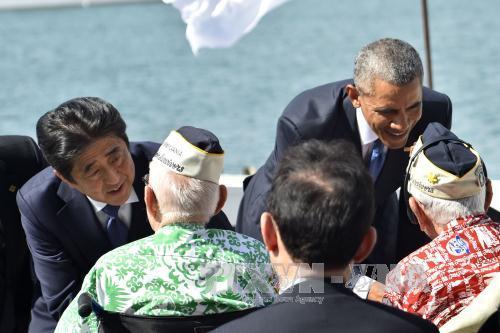 Leaders of US and Japan show solidarity in Pearl Harbor visit