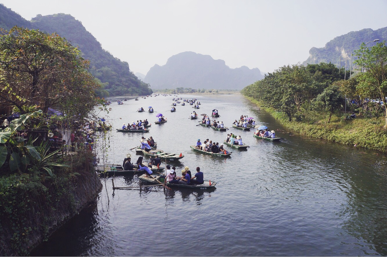 A journey to Bai Dinh Complex and Trang An Ecological Tourism Site