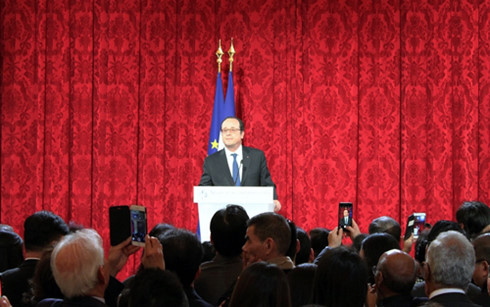 French President hosts Asian New Year celebration