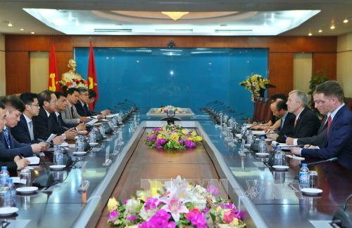 Vietnam, US enhance IT cooperation