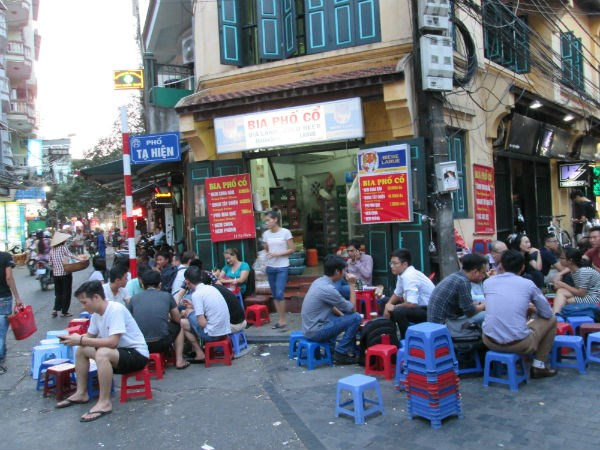 Le vieux quartier et la «gastronomie de trottoir» de Hanoï