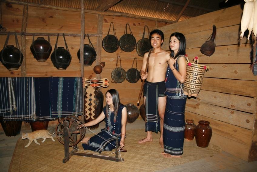 L'art vestimentaire des K'ho