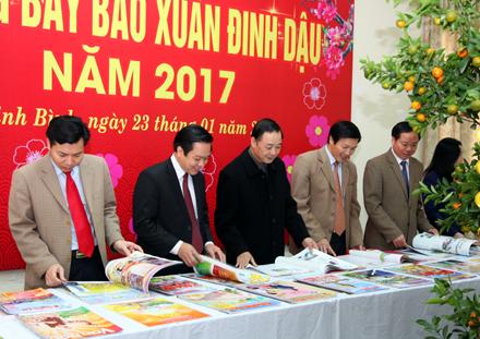 Ouverture de la fête de la presse printanière 2017 à Ha Nam et à Ninh Binh