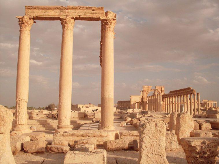 Syrie: les nouvelles destructions à Palmyre qualifiées de crimes de guerre