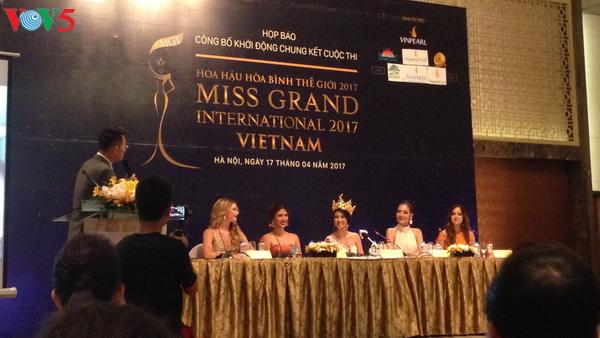 世界和平小姐总决赛在越南启动