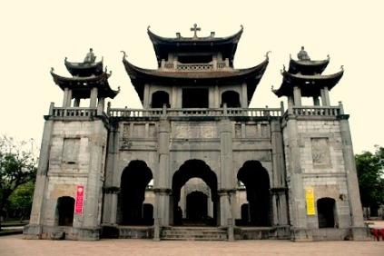 Die Architektur der Kirche Phat Diem in Ninh Binh