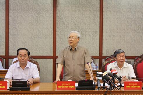 Tổng Bí thư Nguyễn Phú Trọng làm việc với Ban Thường vụ Thành ủy Cần Thơ