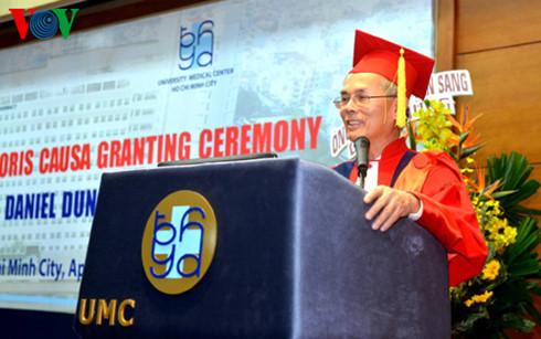 Bác sĩ Daniel Trương và hy vọng cho người mắc bệnh sa sút tâm thần thể Lewy