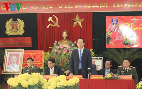 Chủ tịch nước Trần Đại Quang thăm và chúc Tết lực lượng Cảnh sát giao thông Hà Nội