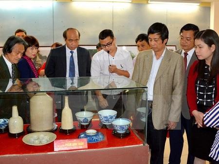 Trưng bày hơn 500 cổ vật từ thời sơ sử đến thế kỷ XIX