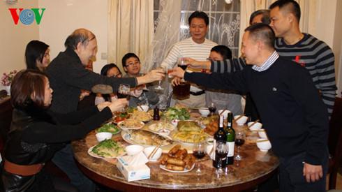 Der letzte Nachmittag des Jahres in der vietnamesischen Familie