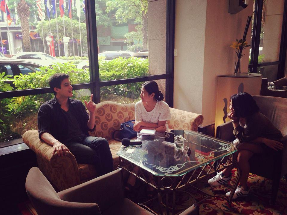 """บทสัมภาษณ์ซันนี่สุวรรณเมธานนท์นักแสดงนำในภาพยนตร์เรื่อง""""ฟรีแลนซ์ ห้ามป่วยห้ามพักห้ามรักหมอ"""""""