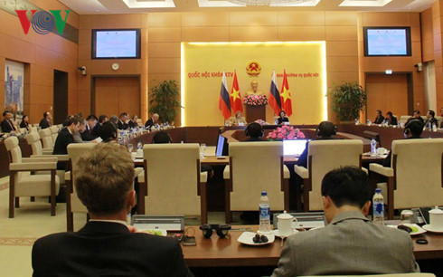 การเสวนากระชับความสัมพันธ์หุ้นส่วนระหว่างท้องถิ่นต่างๆของเวียดนามกับรัสเซีย
