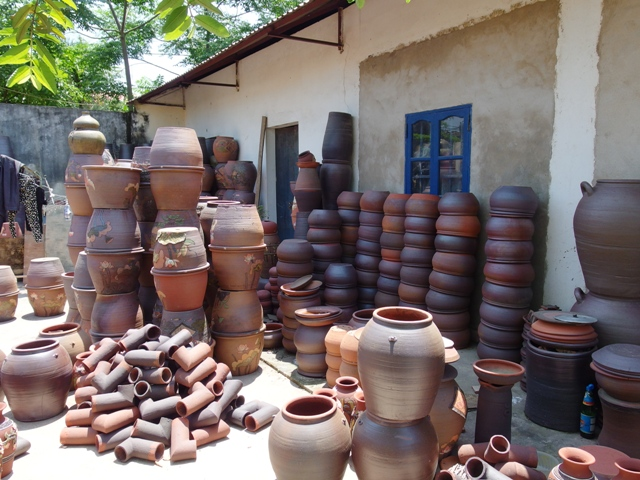 Phu Lang ceramic village in Bac Ninh province