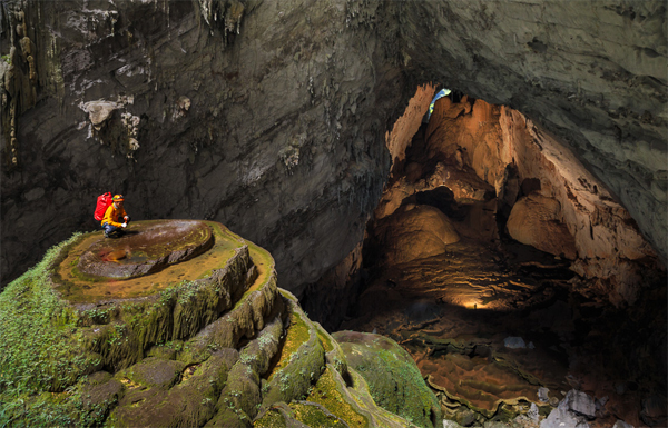 Quang Binh develops adventure tours exploring grottos