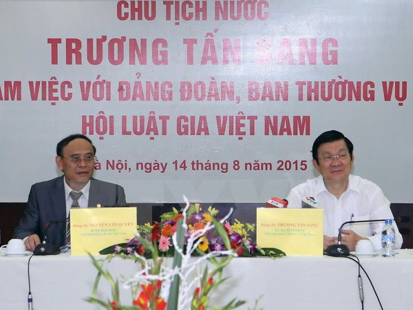 President Truong Tan Sang works with Vietnam Bar Association