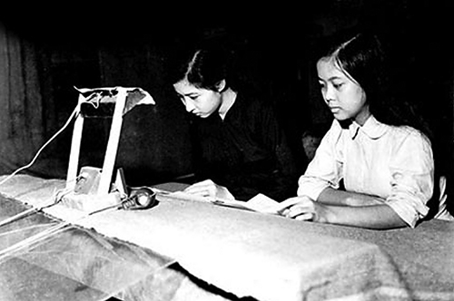 VOV broadcasters' contributions to Vietnam's resistance wars against invaders