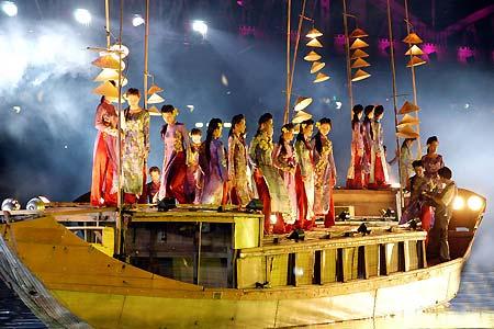 Promoting Hue singing- a national heritage