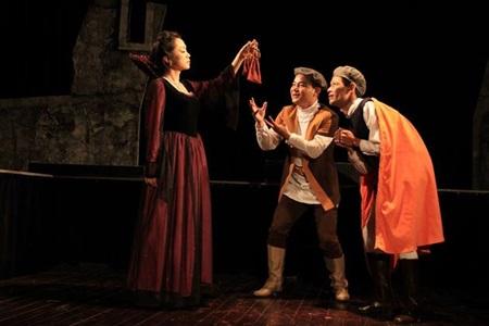 Shakespeare's Hamlet on Vietnamese stage