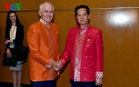 PM Nguyen Tan Dung holds bilateral meetings on the sidelines of 27th ASEAN Summit