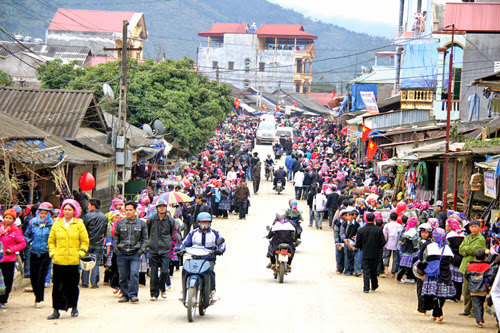 Mong ethnic people in Meo Vac district, Ha Giang province celebrate New Year