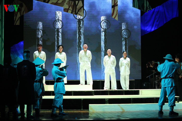 """Reformed opera performance """"Breaking dawn""""- a song about a revolutionary soldier"""