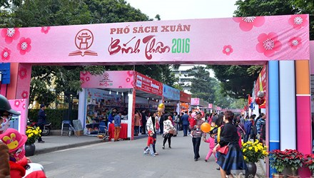 Hanoi opens its Books Street on New Year occasion