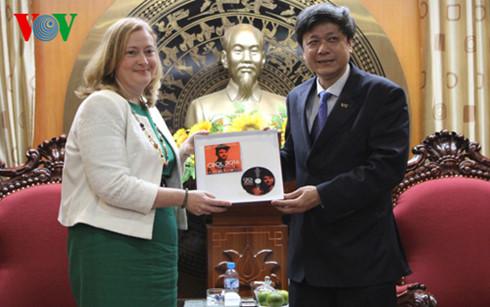 Vietnam, Ireland enhance communications cooperation