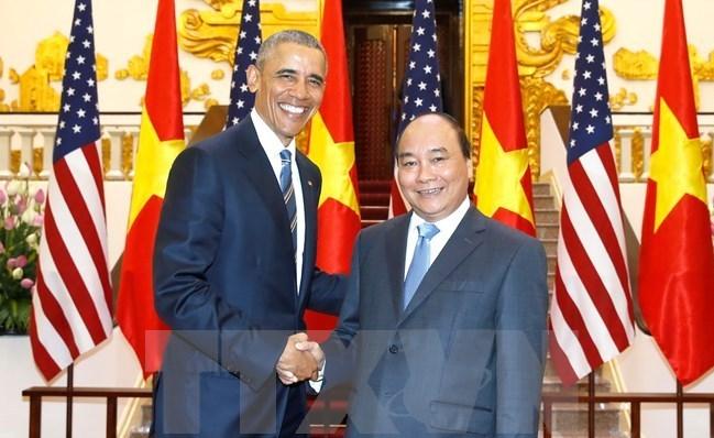 Prime Minister Nguyen Xuan Phuc receives President Barack Obama