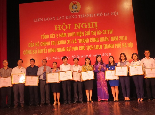 Hanoi Labor Union reviews 5 years implementing the Politbureau resolution 03