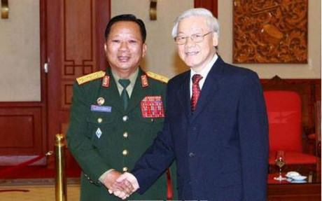 Party leader Nguyen Phu Trong hails Lao Defense Minister's visit