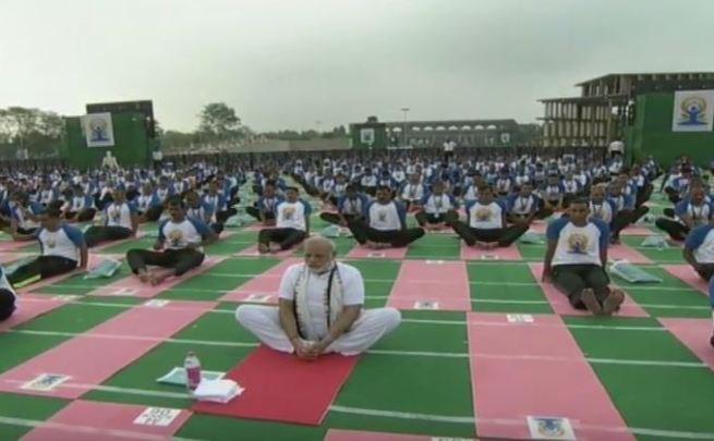 Vietnamese Ambassador to India joins celebration of International Yoga Day