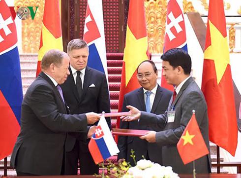 Slovakia's Prime Minister begins Vietnam visit
