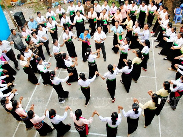 Yen Bai compiles dossier of Xoe dancing for UNESCO recognition