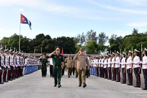 Vietnam, Cuba hold defense talks