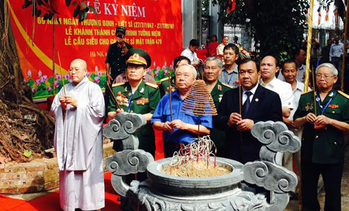 Inauguration of a monument to Vietnamese volunteer soldiers who died in Cambodia