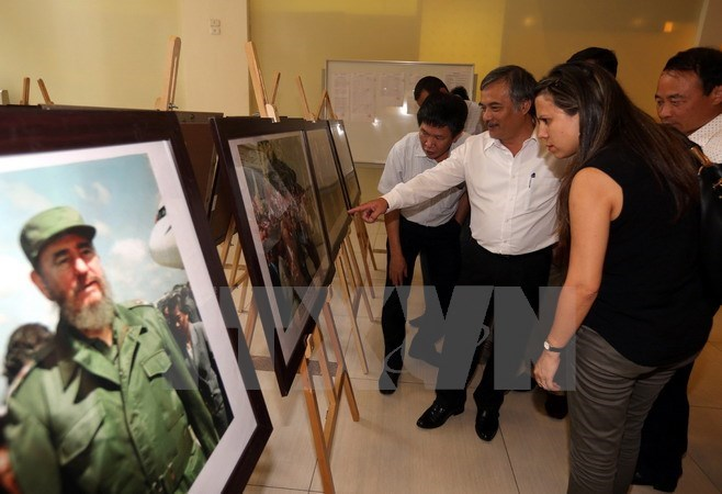 VNA launches Vietnam-Cuba photo exhibition