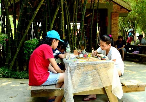 Painting workshop for kids coming to Hoi An