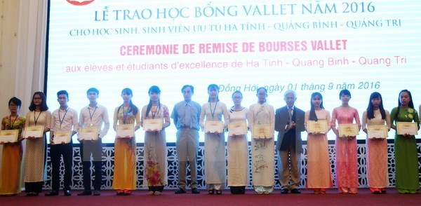 Vallet scholarships awarded to students in central region