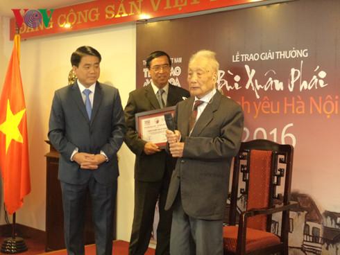 Bui Xuan Phai- For love of Hanoi Award 2016